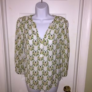 🍍 3/$15 Hinge Pineapple print blouse